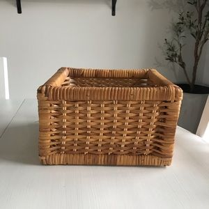 3 for $20🌼 Square Wicker Basket